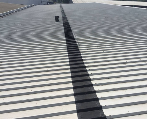 Sealing roofing leakage